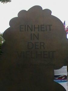 Einheit in der Vielfalt - Leibnizdenkmal in Hannover
